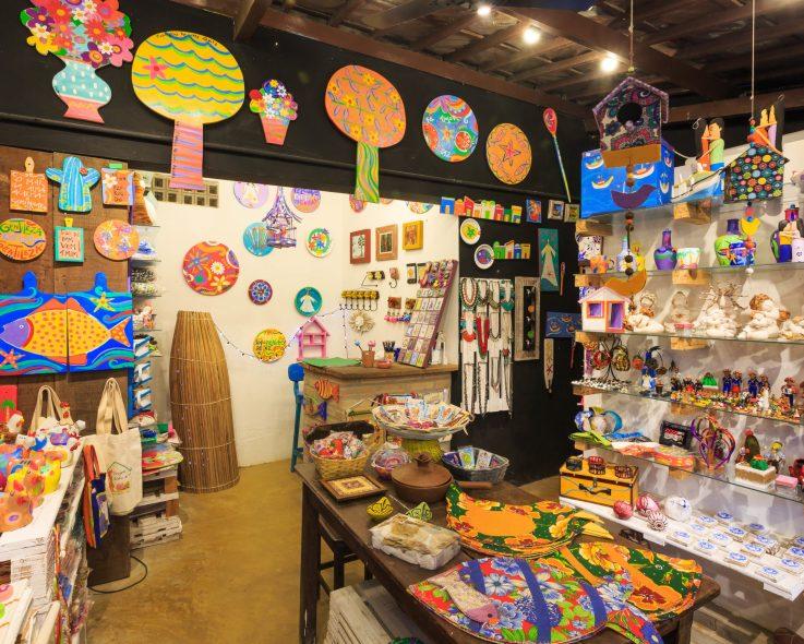 Originalidade e beleza dos artesanatos em Porto de Galinhas são atrativos para turistas de todo o mundo