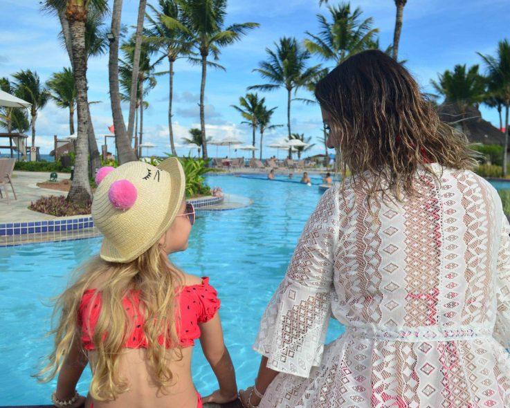 Maio de aventuras para as crianças e relaxamento para as mães